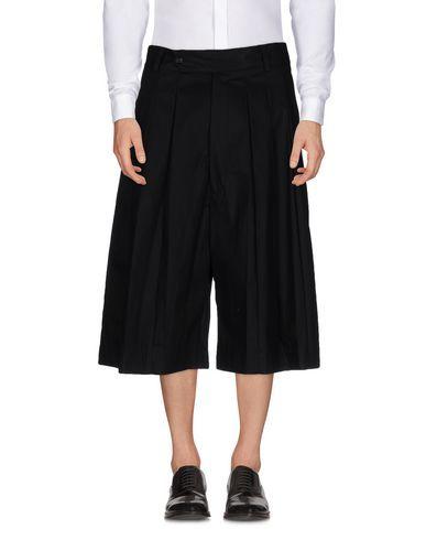 ALEXANDER MCQUEEN 3/4-Length Trousers. #alexandermcqueen #cloth #top #pant #coat #jacket #short #beachwear