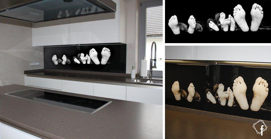 Glas Küchenrückwand Mit Footprint / Füße Familien Foto Als Digitaldruck → →  → → → →