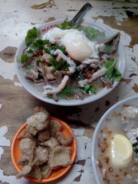 Singkawang Porridge At Krendang