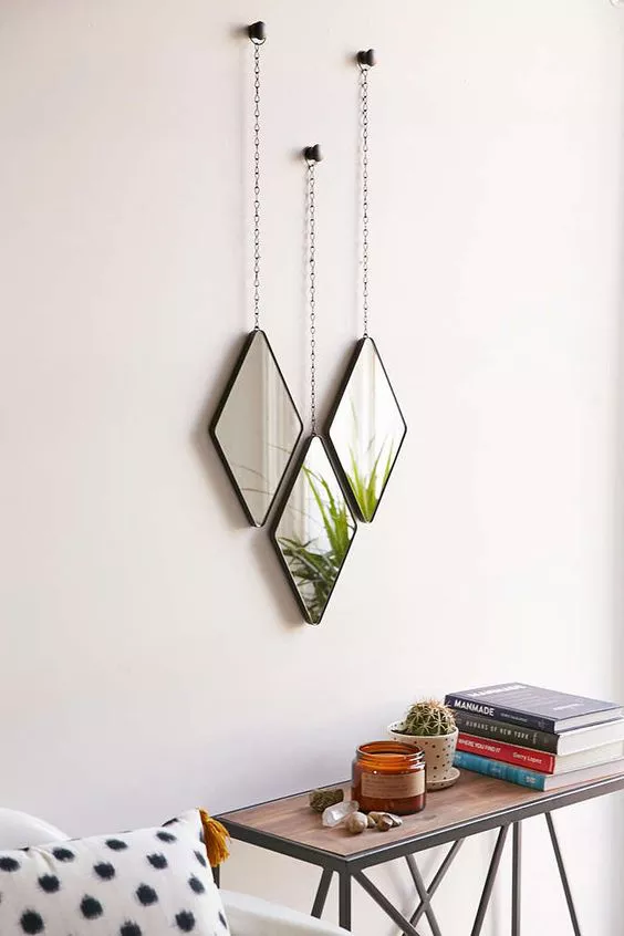 16 Stylish Ways To Decorate With Mirrors With Images Mirror Decor Decor Mirror Set