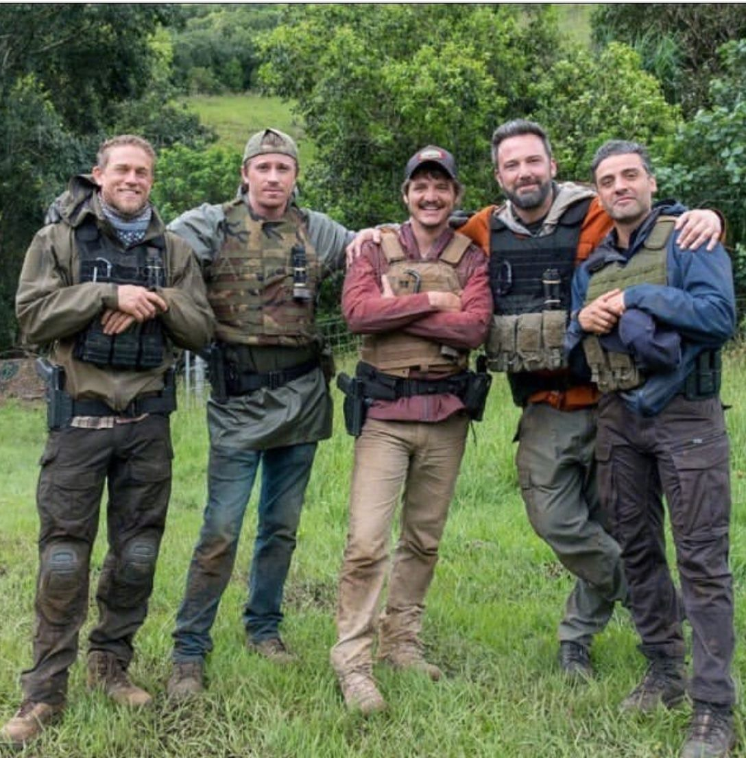 Charlie Hunnam The Cast Of Triple Frontier Charlie Hunnam Pedro Pascal Garrett Hedlund
