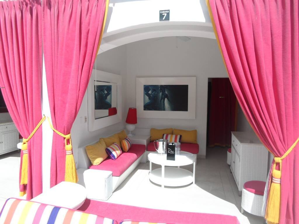 Las Vegas Bedroom Accessories Drais Beach Club Grand Cabana Drais Las Vegas Pinterest