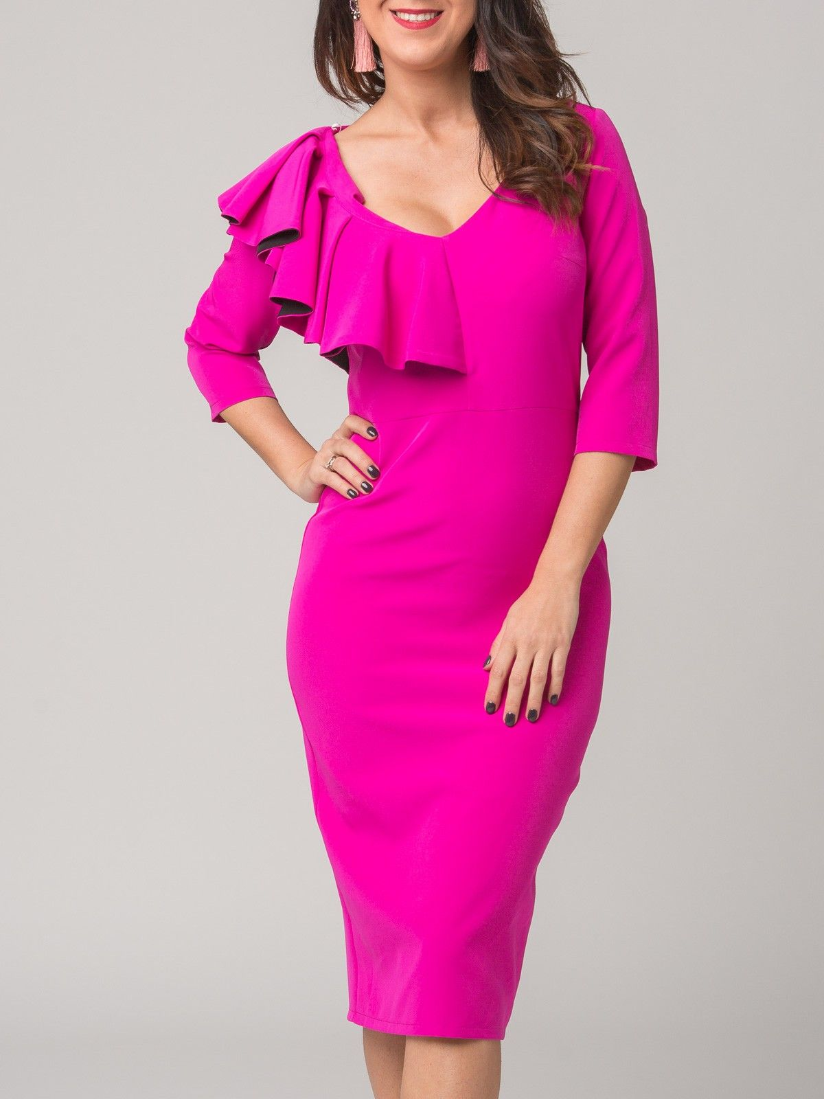 Vestido Gracia - Vestido de corte midi en color fucsia. Escote en ...