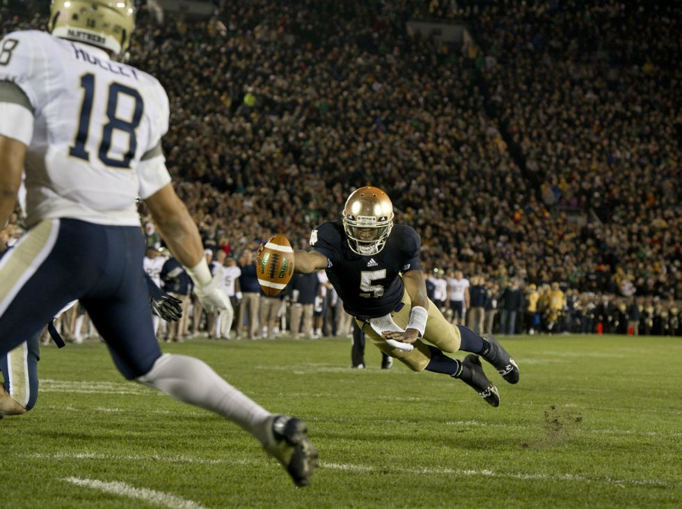 Everett Golson Dives Into The End Zone For A Two Point Conversion