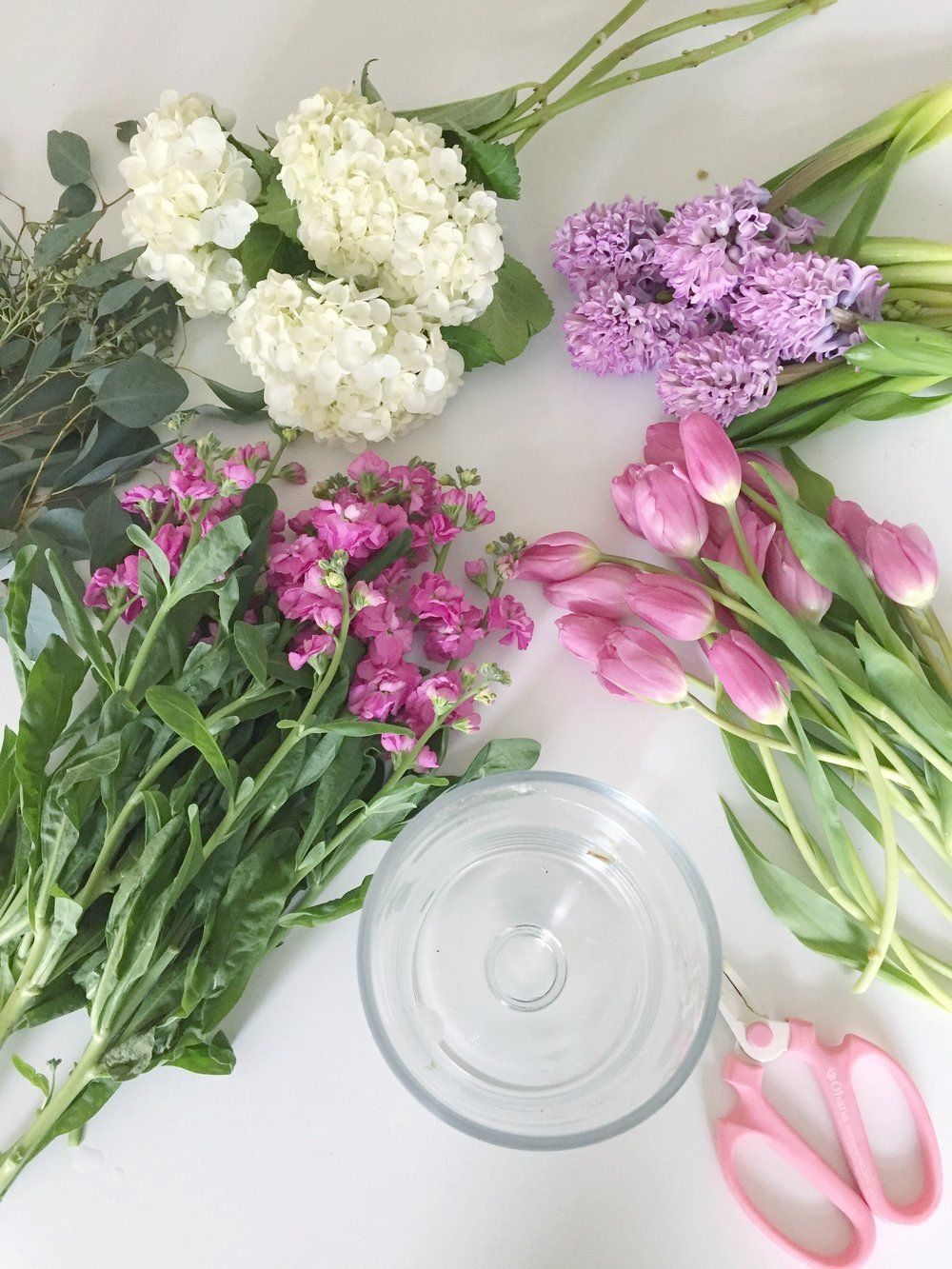 How to create a centerpiece using grocery store flowers