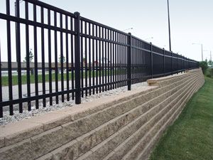 Retaining Wall With Fence Above Retaining Wall Building A Fence