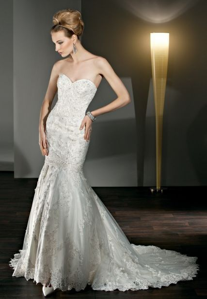 LACE AND TULLE STRAPLESS SWEETHEART MERMAID 2 IN 1 WEDDING DRESS $369.00 - converts to short sexy reception dress!