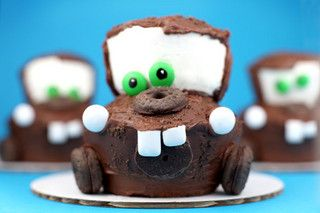 Tow Mater Cakes! by Bakerella