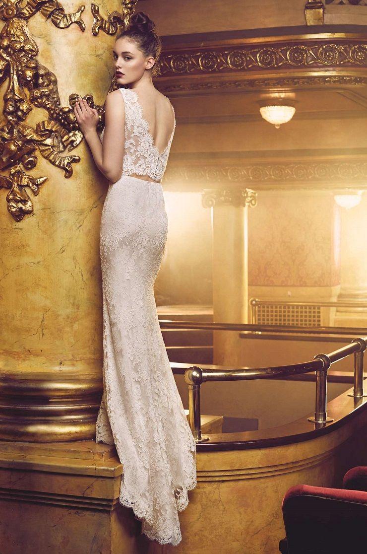 Paloma Blanca style 4705 wedding dress | Sleeveless lace cropped top with V-neckline | itakeyou.co.uk  #bridal #wedding #weddingdress #weddinggown #bridalgown #dreamgown #bridaldress #dreamdress #weddinginspiration #bridalinspiration #weddingdresses