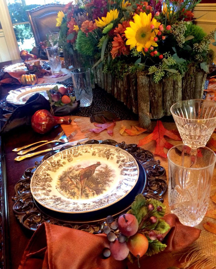 Thanksgiving tablescape | Thanksgiving table arrangements ...
