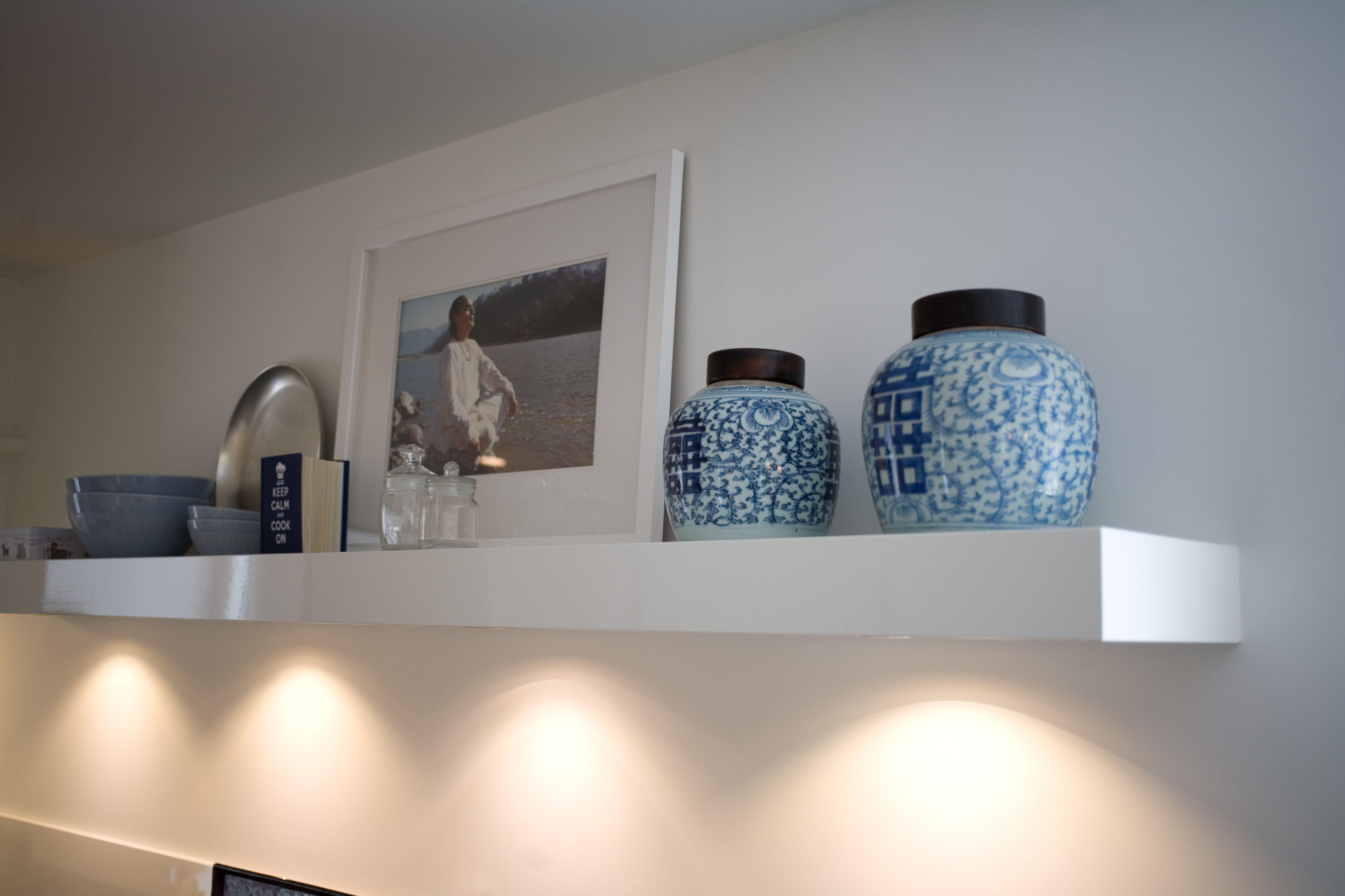 Inbouwspots toegepast in wandplank in keuken  www pieterdeboer com   PdB Verlichting   Pinterest