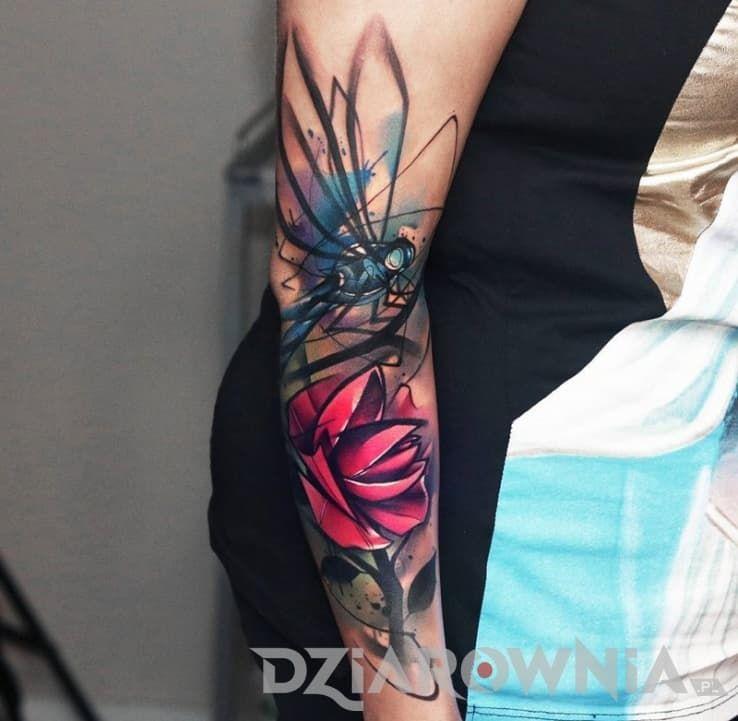 Tatuaże Kwiaty Zwierzęta Na Przedramieniu Dla Kobiet
