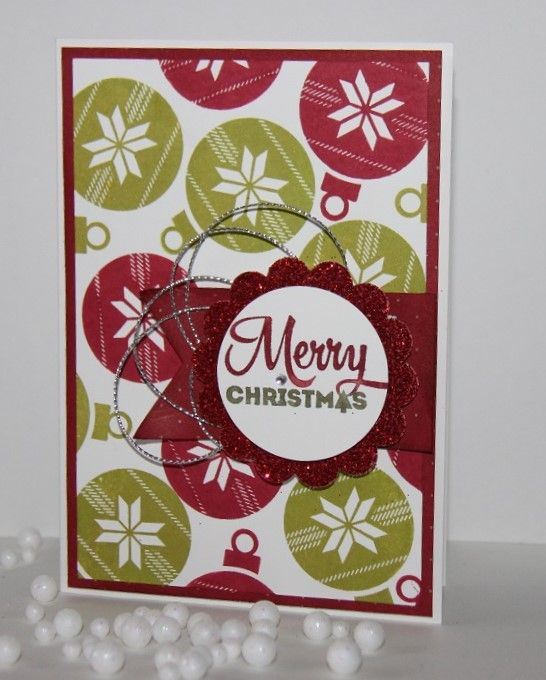 Die Christbaumkugeln aus dem Stempelset Freude zur Weihnachtszeit von Stampin'  Up! sieht toll aus als Hintergrund auf einer Karte. #Weihnachten #Stampinup #Karte #Weihnachtskarte #DIY #Stempel