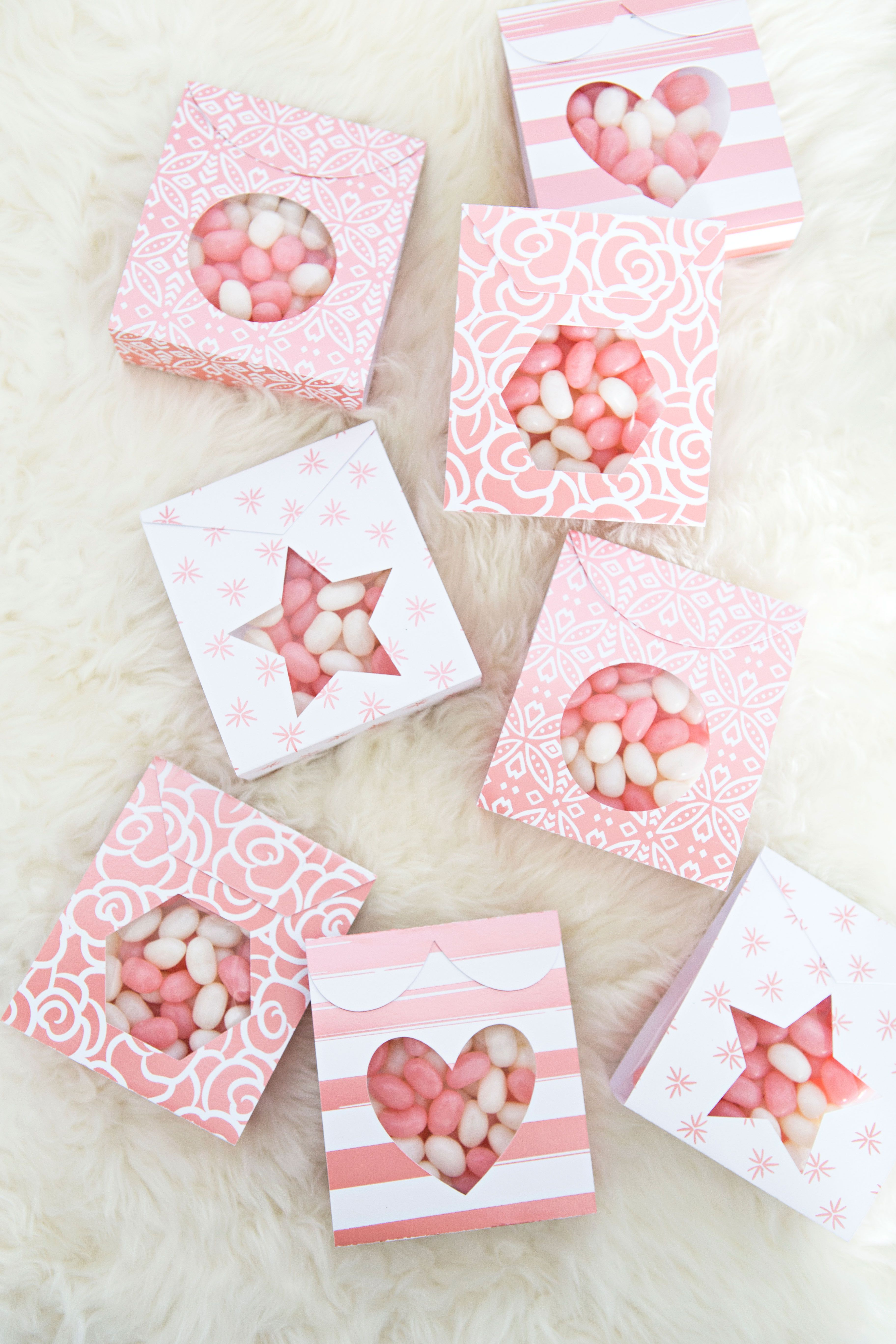 DIY Candy Pouch Favors Using Cricut Deluxe Paper Diy
