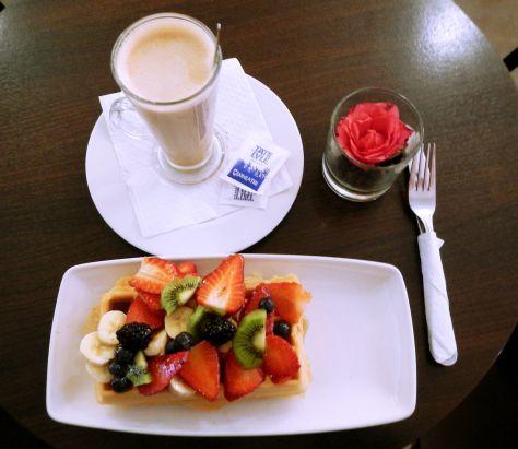 KULA Cafe Waffles London Fresh Fruits