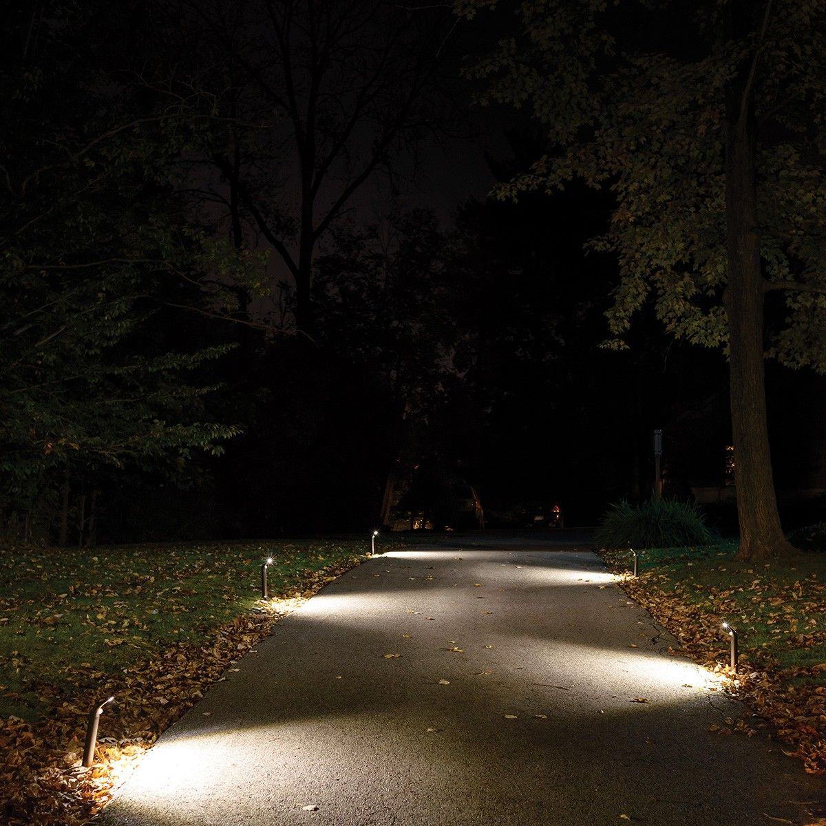 Mr Beams Ultrabright Outdoor Led Path Lights Mb596 Set Of 6 Dark Wiring Landscape Quickly And Easily Illuminate Walkways Decks Driveways More With These Ultra Bright Battery Powered Motion Sensing No Wires