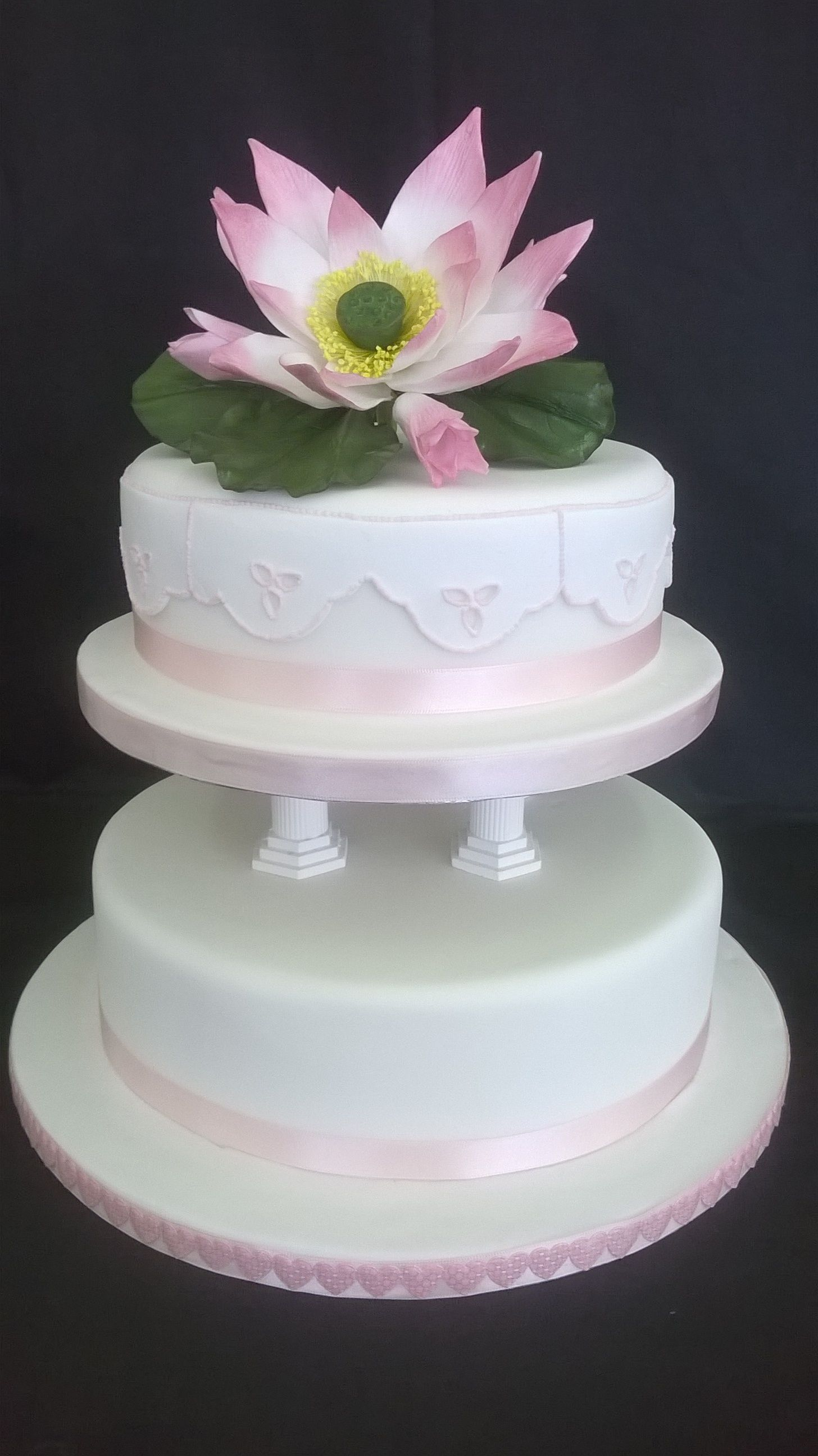 Student Cake Pillar Cake With Lotus Flower Broiderie Anglaise