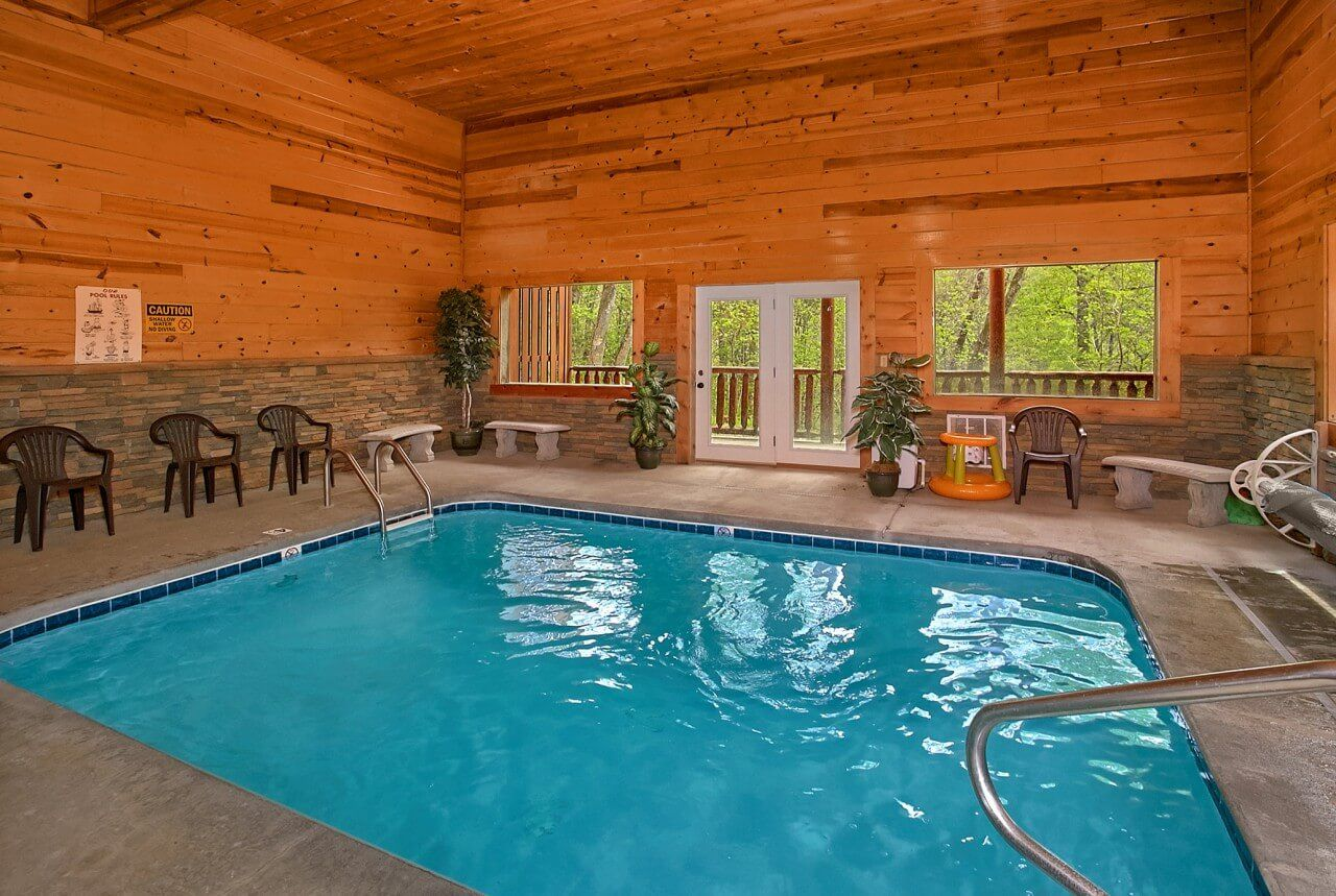 Swimming In Paradise Cabin In Sevierville Indoor Swimming Pools Gatlinburg Cabins Vacation Rentals By Owner
