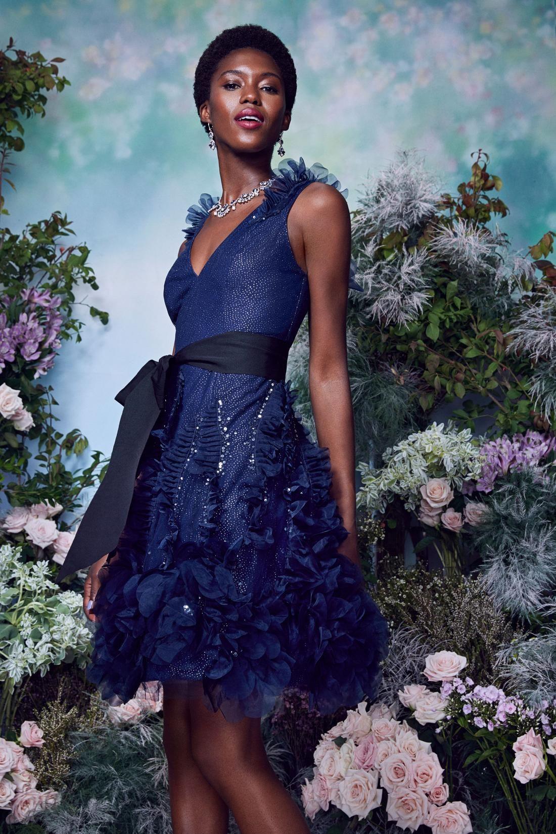 موديلات فساتين سهرة ترتر موضة ربيع 2021 مجلة سيدتي كشفت دور الأزياء العالمية ضمن مجموعاتها الجديدة عن صيحات Fashion Beautiful Evening Dresses Black Ball Gown