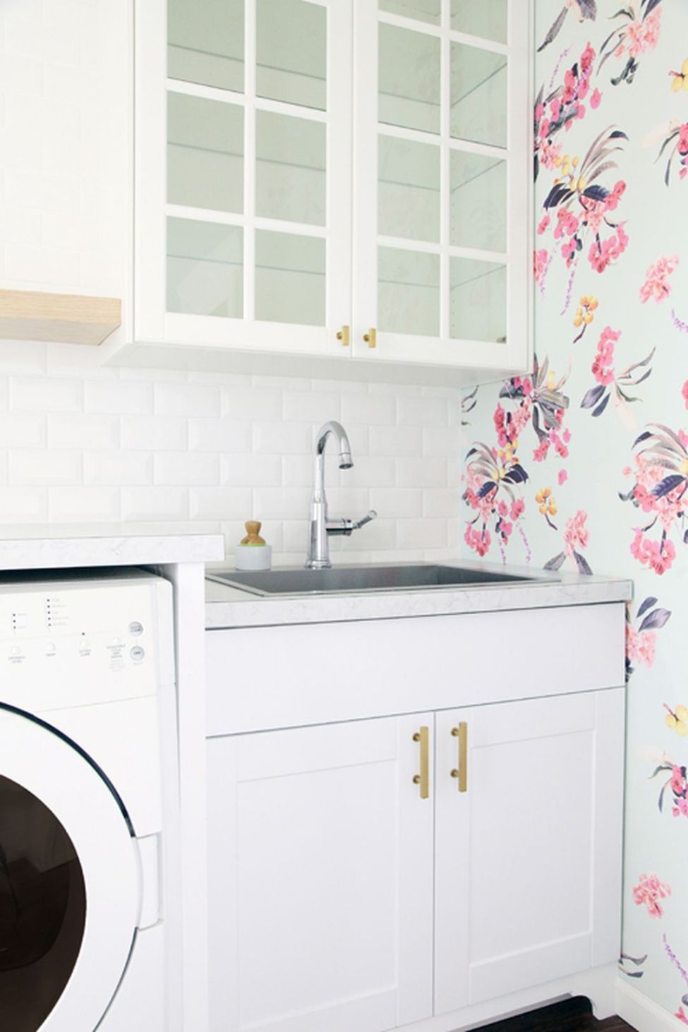 Beautiful Laundry Room Tile Design Ideas (31) | Laundry ...