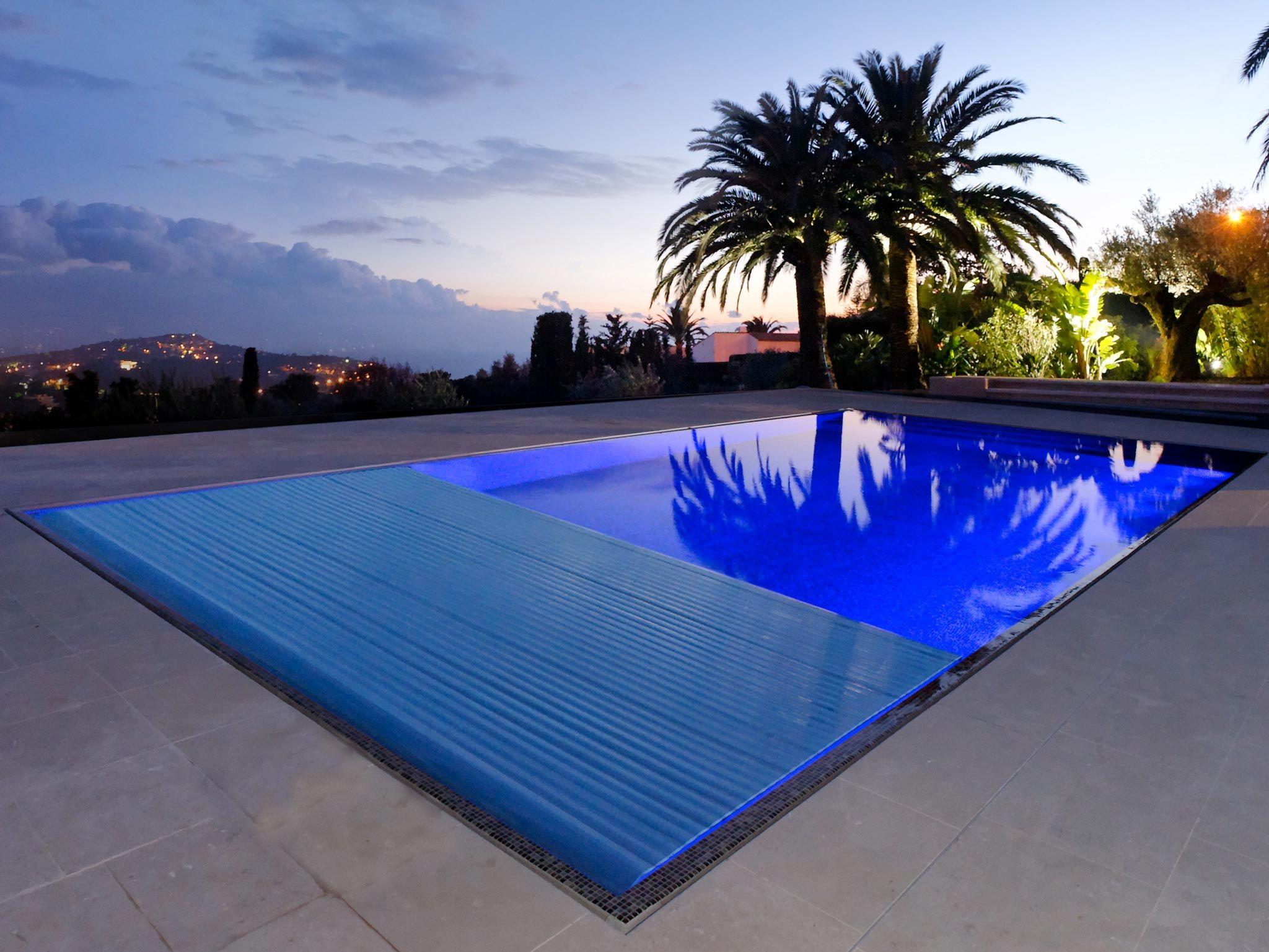 Le miroir par l 39 esprit piscine 12 x 6 m rev tement - Revetement ideal pourtour de piscine ...