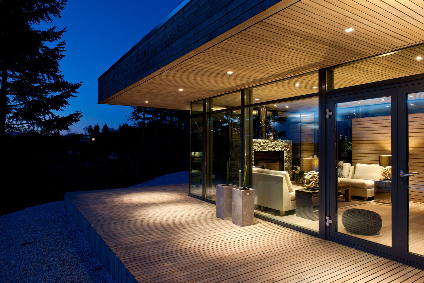 Modern Cabin GJ 9 by Gudmundur Jonsson Architect Varandas e