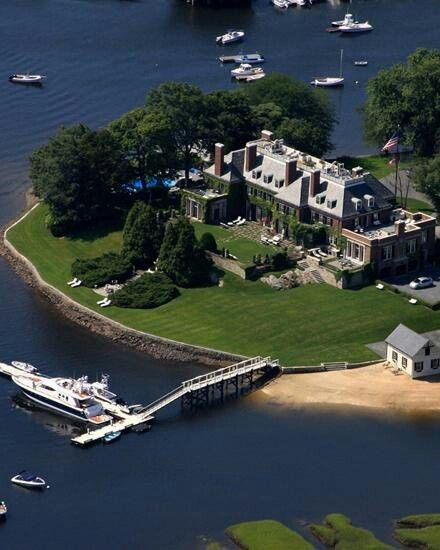 Scret Home House Luxury: We'd Like Our Own Private Island Today