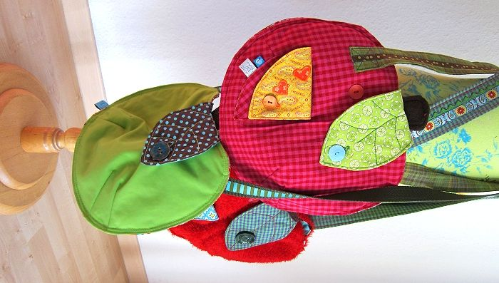 lots of lovely free tutorials for bags, pillows and kids stuff