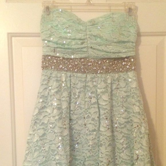 Prom Dress Sea foam green prom dress. Size 3 My Michelle Dresses Strapless
