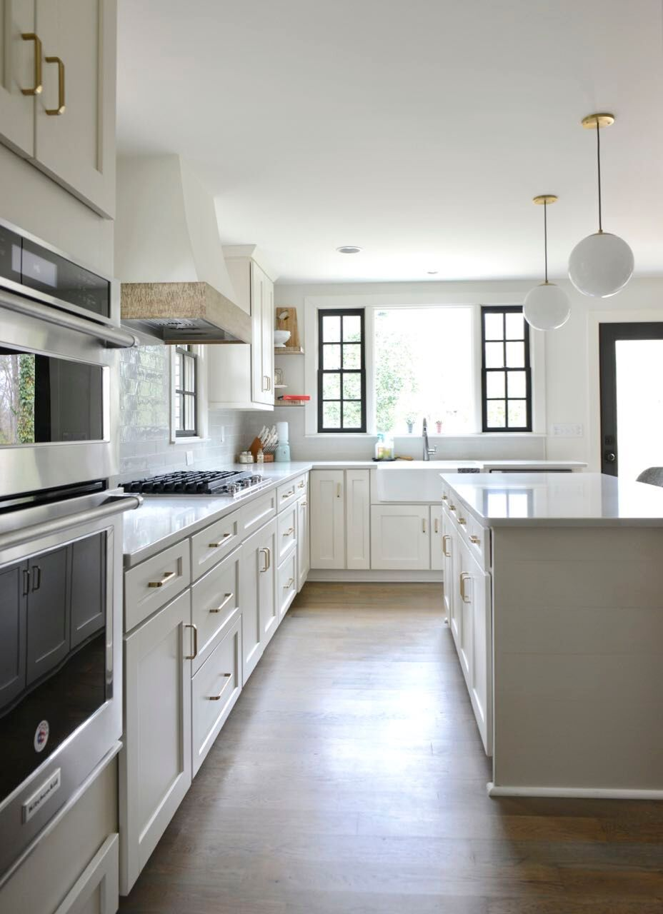 The Perfect Neutral Agreeable Gray Sw Cabinets Shaker Style Quartz Countertops Kohler Farmhouse Sink De Shaker Style Agreeable Gray Grey Kitchen Cabinets