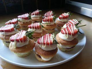 Lorraine Pascale Strawberry And Cream Mini Cakes