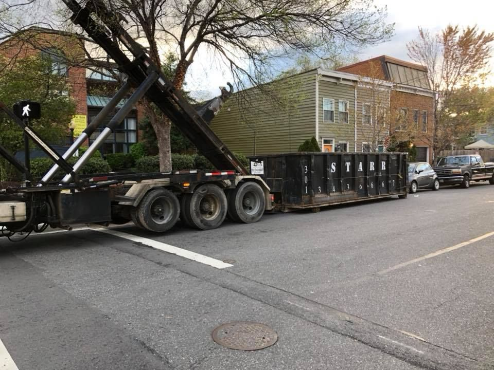 Starr Dumpsters Offer Dumpster Rentals 10 20 30 And 40 Yards In Size At The Most Competitive Rates In College Park Md Dumpster Rental Dumpsters College Park