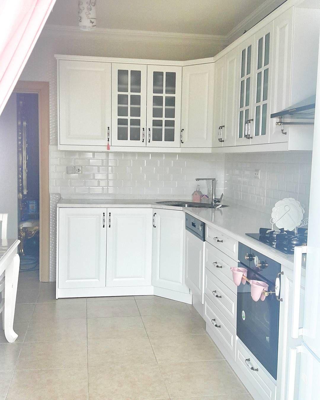 Siyah, beyaz geometrik çizgiler dekorun odağında.. Merve hanımın evi.. - 3 | Ev Gezmesi #interiordesignforkitchen