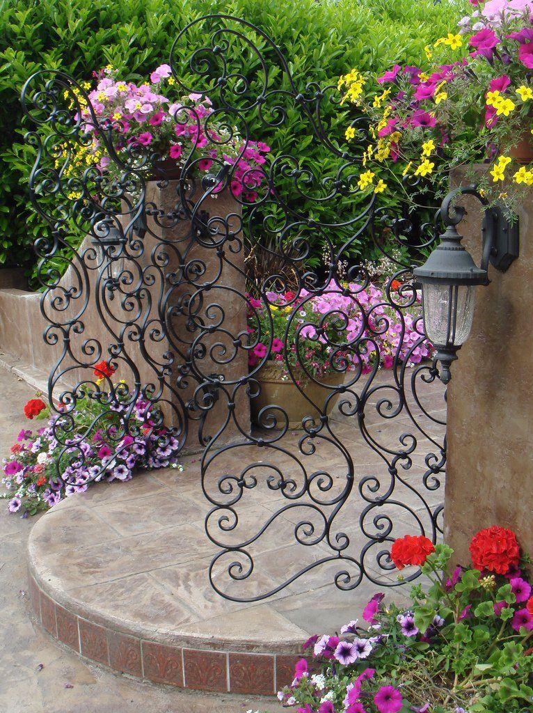 Nice gate   jardin   Portail jardin, Barrière jardin, Jardins secrets