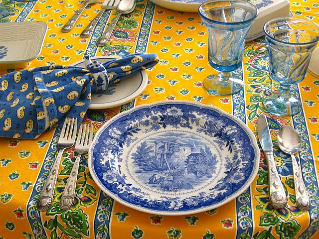 \u003c3 A little Country French. Why do I always think of you @Susan. Country Table SettingsBlue ... & 3 A little Country French. Why do I always think of you @Susan ...