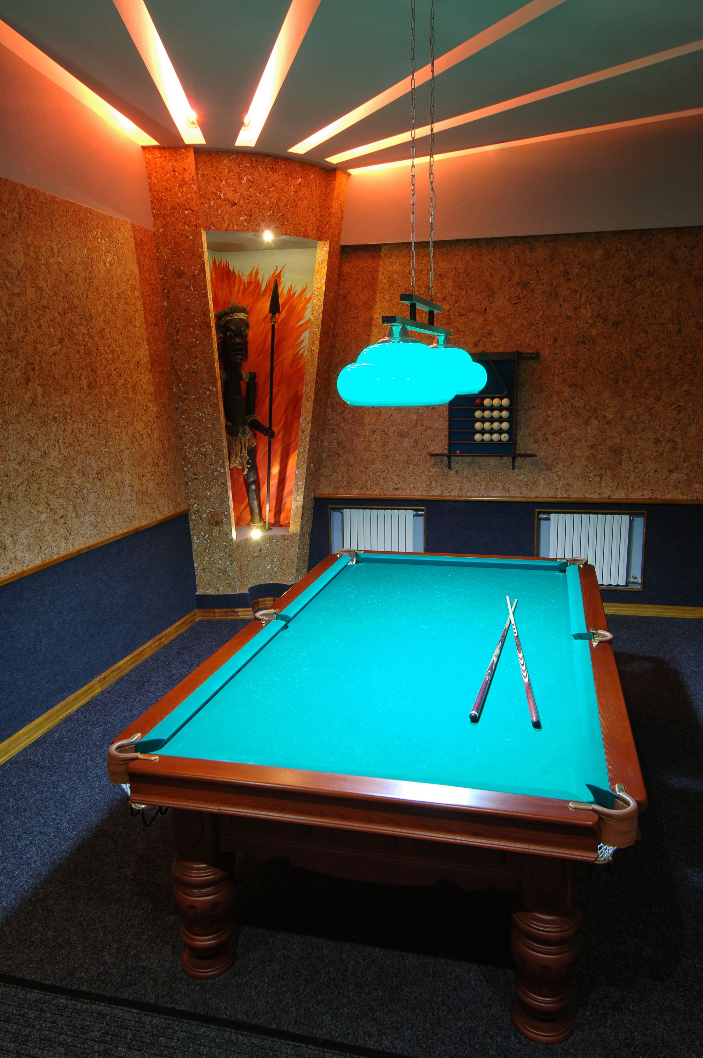 Charmant Stylish Entertainment Room With A Pretty Sweet Little Pool Table.  Www.amazon.com