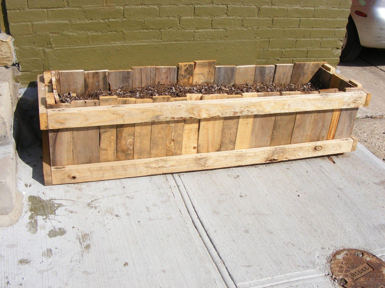 Upcycled Pallet Skid Garden Planter Box Diy Pinterest