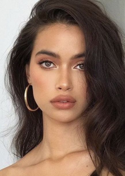 Photo of 10 Gorgeous Natural Makeup Looks That Are Easy To Do | The Unlikely Hostess