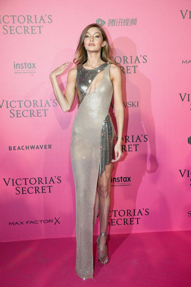 Vestido By Atelier Versace en la fiesta luego del desfile Victoria ...