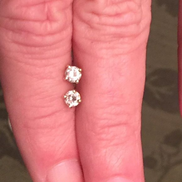 1/2 Ct. Tw. Diamond Stud Earrings Beautiful clarity!! I love these earrings just don't wear gold anymore! Jewelry Earrings