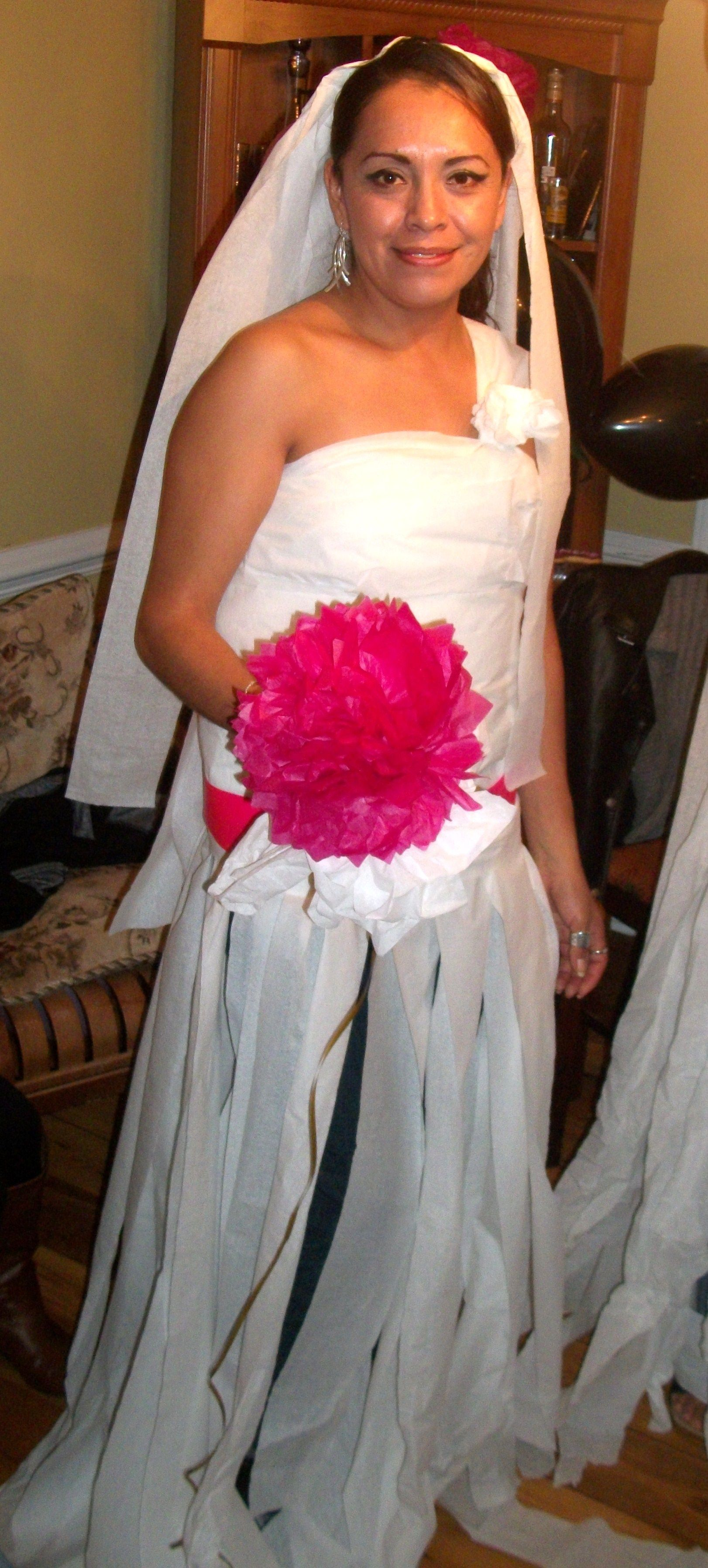 Toilet Paper Wedding Dress Game For A Bachelorette Party Bachelorette Party Toilet Paper Wedding Dress Bridal Shower Party