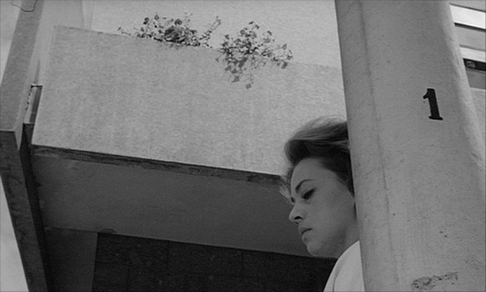 Dir:Michelangelo Antonioni DoP:Gianni Di Venanzo Year:1961 Download Purchase U.S. Purchase U.K.