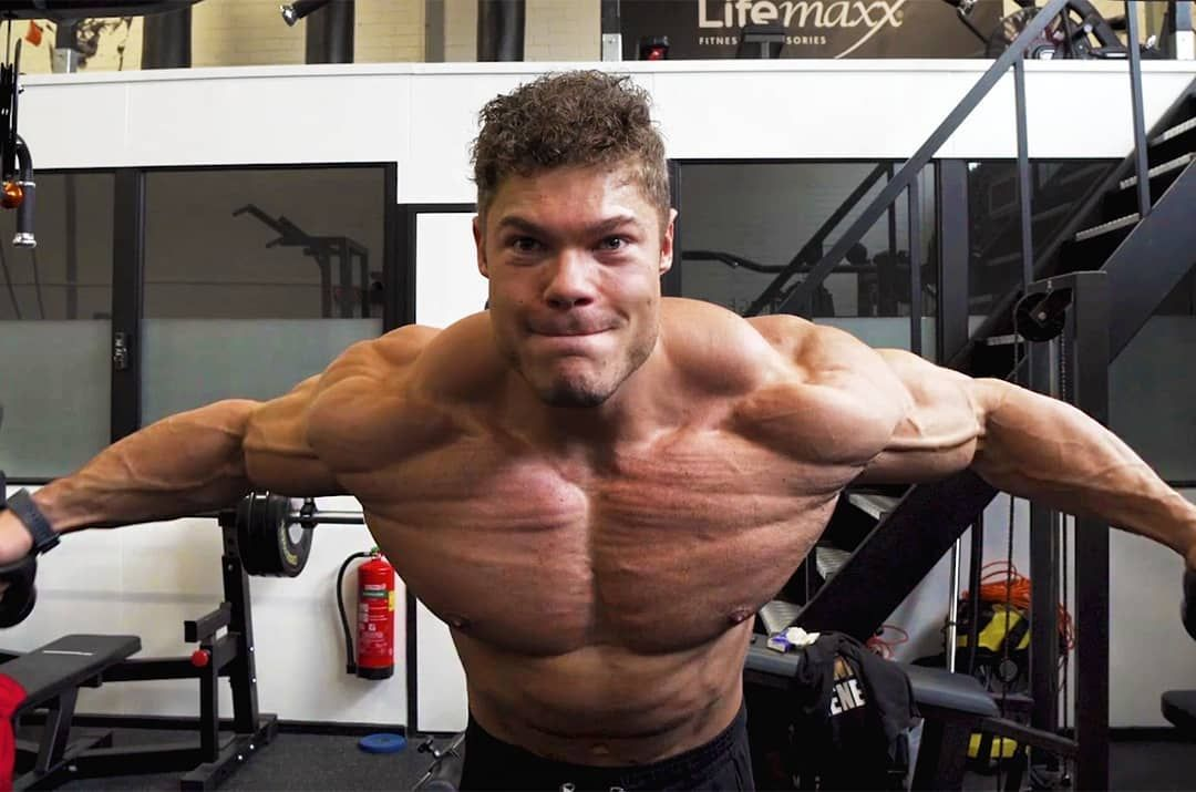 Wesley Vissers Showing Some Epic Chest Striations A Month Out From The Arnold Classic Ohio Fitness Fitnesstips Fit Workout Apps Arnold Classic Chest Workout