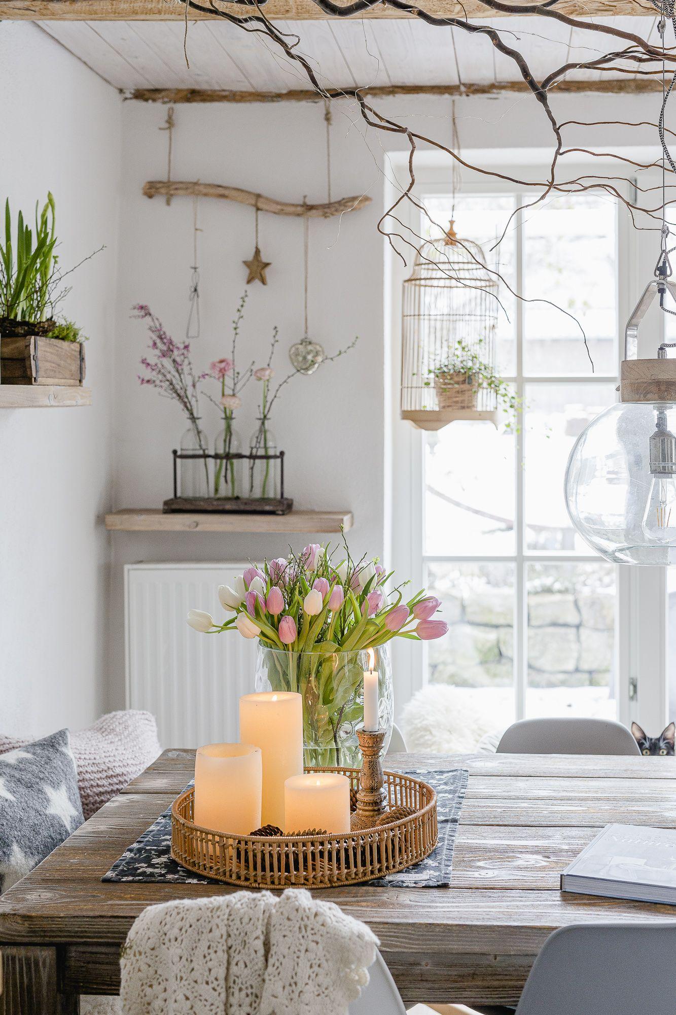 Mit Tulpen und ein bisschen Frühlingsdeko ins Weekend • Pomponetti