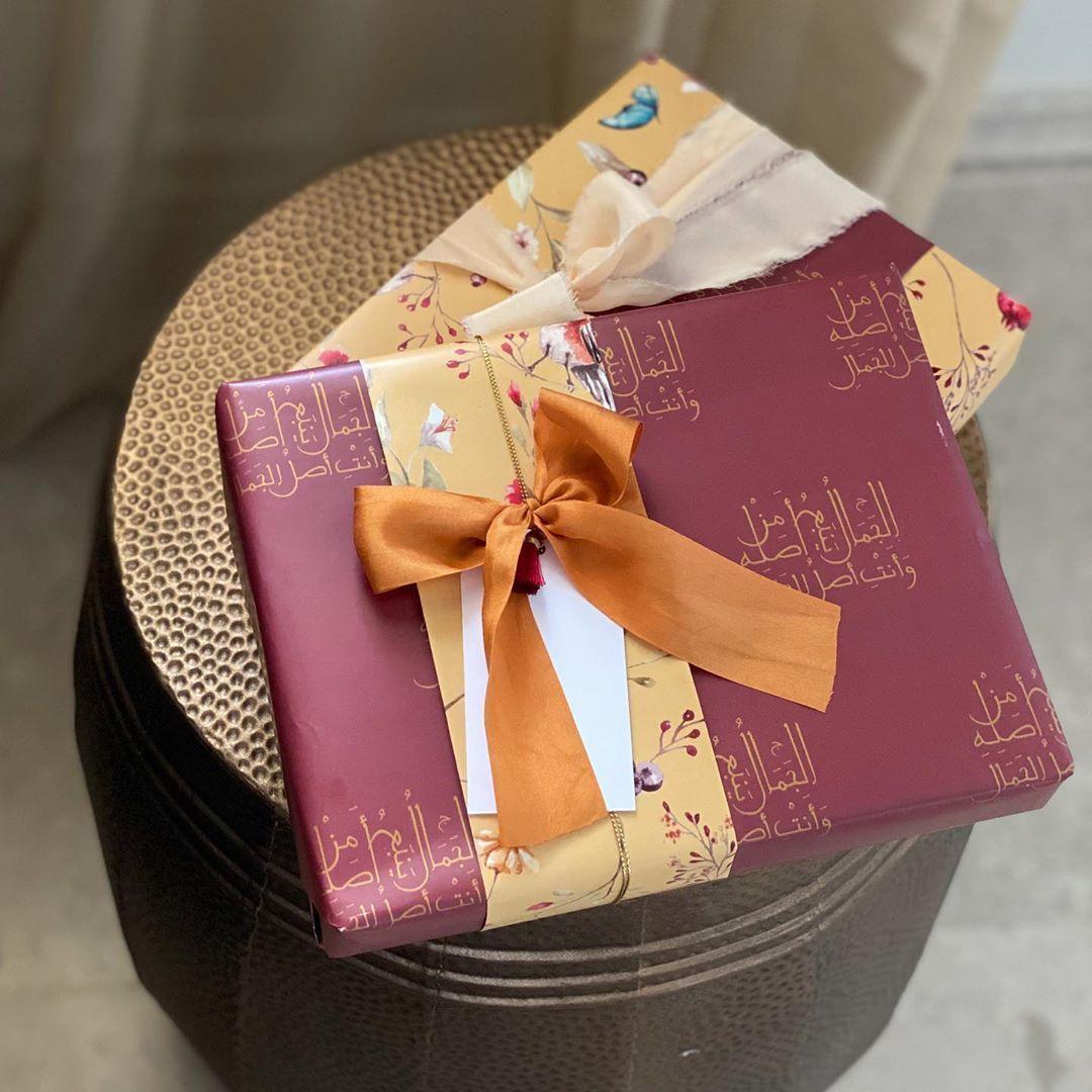 تغليف هدايا Pink Stars Pink Gift Wrapping