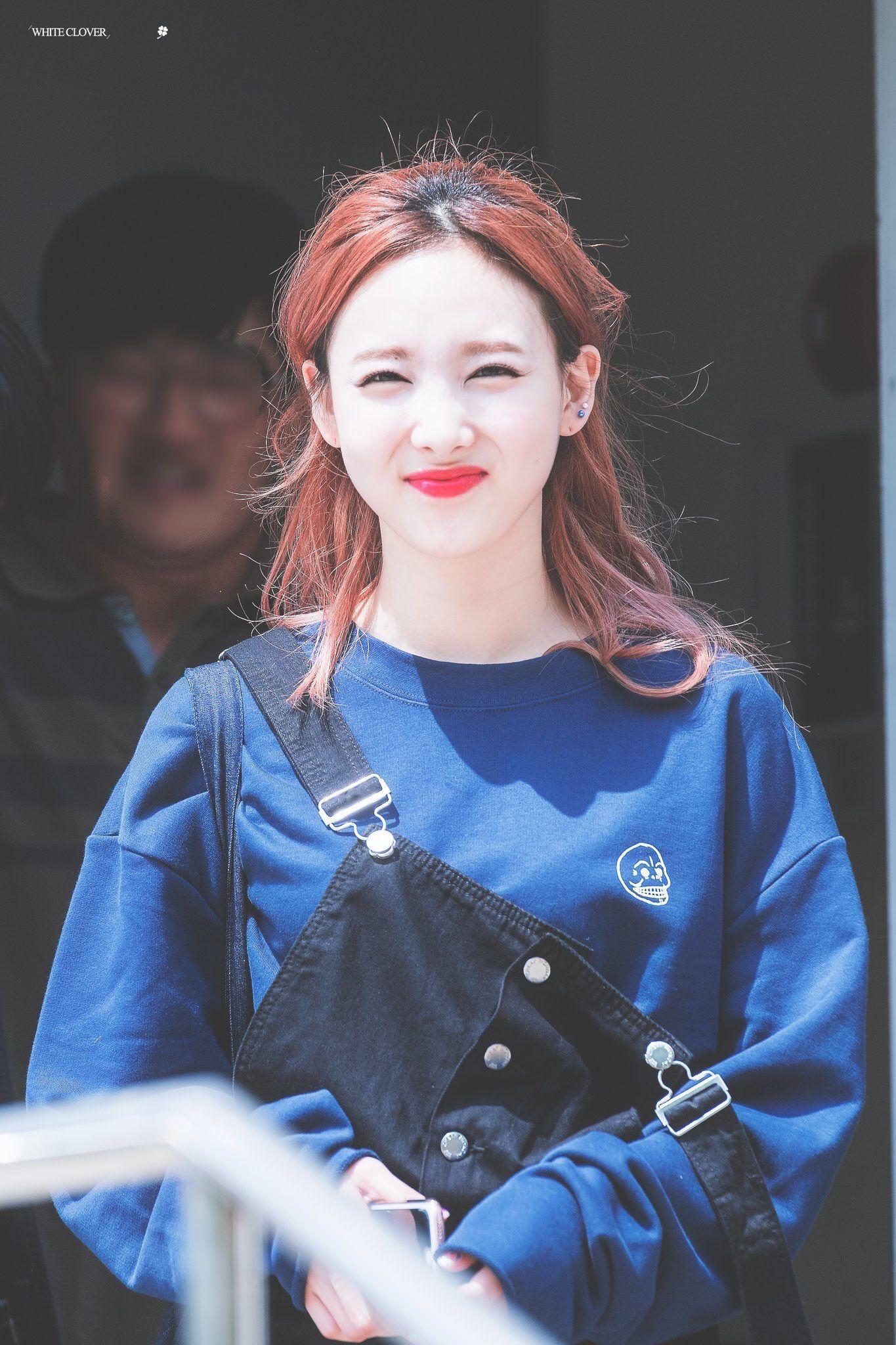 Pin By Lulamulala On Twice Nayeon Nayeon Twice Nayeon Im Nayeon