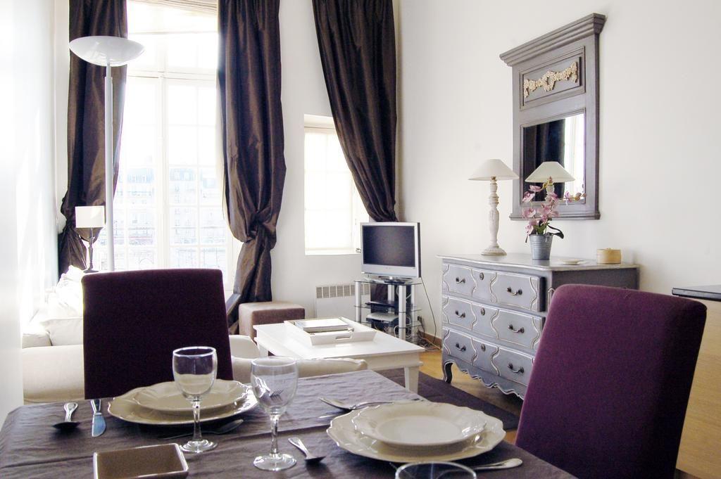 Apartamento Apartment Quai d'Orleans - 4 adults, Paris | Villas.com