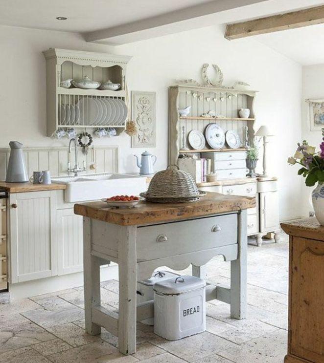 Id e relooking cuisine carreaux de ciment vaisselier for Facade cuisine rustique