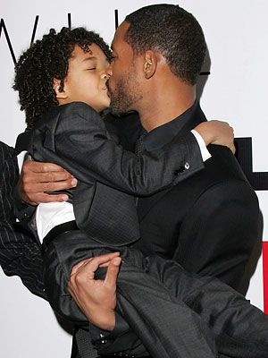 Will Smith S Kiss To His Son Jaden Smith Jaden Smith Fashion