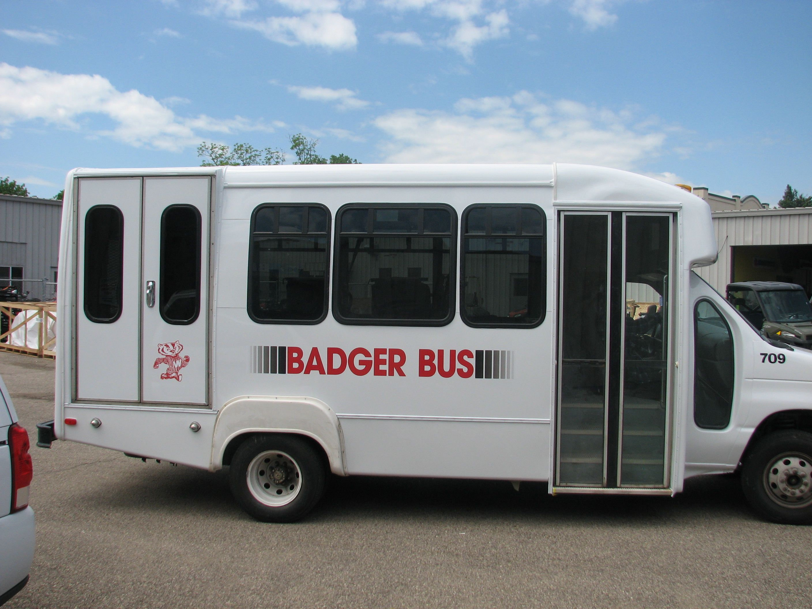 badger bus graphics done by monarch media designs. monarchworld